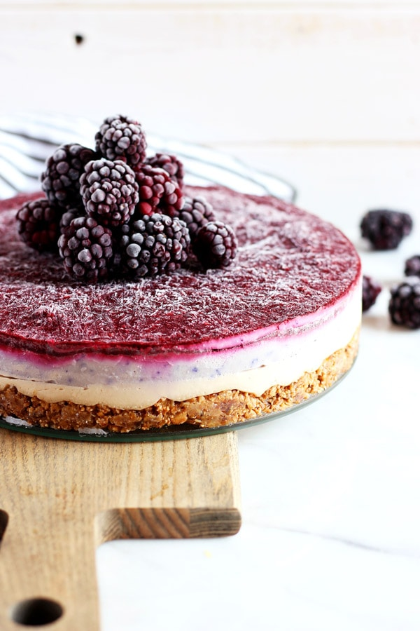 Blackberry Ginger Vegan Cheesecake - a creamy and delicious vegan cheesecake that everyone will love! thewoodenskillet.com