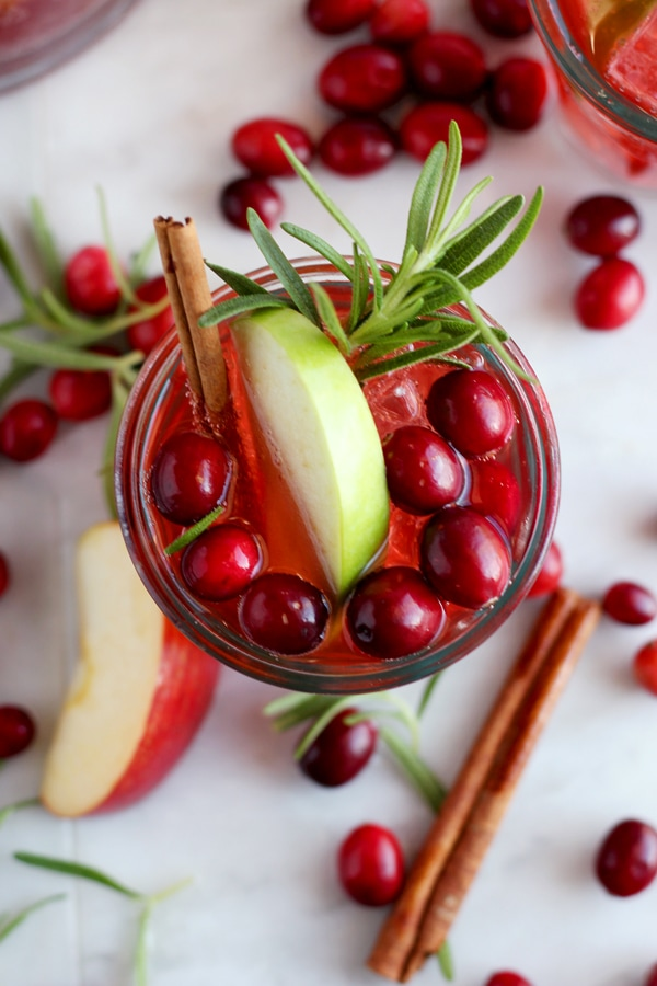 Cranberry Cinnamon Apple Kombucha Mocktail - healthy, delicious, Whole30 compliant and perfect for the holidays! thewoodenskillet.com