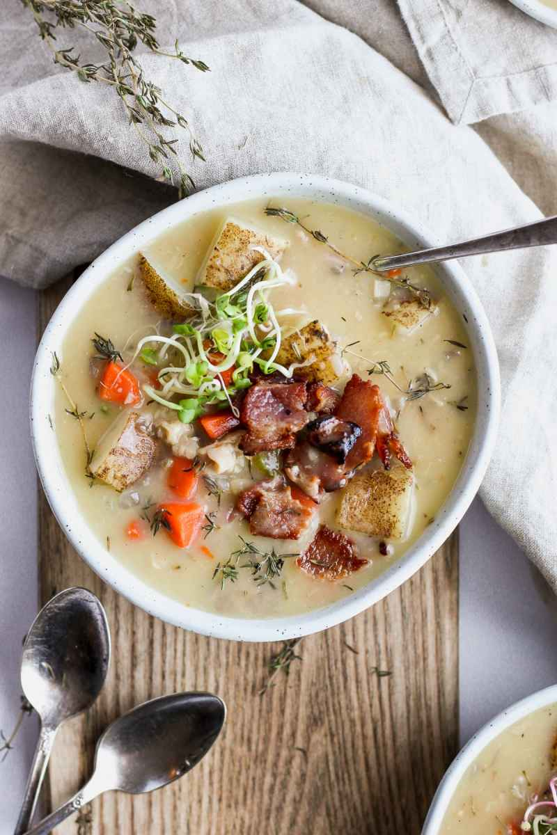Whole30 Creamy Clam Chowder