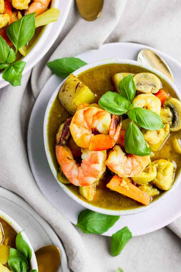 Ultimate Shrimp and Chicken Green Curry (Whole30)