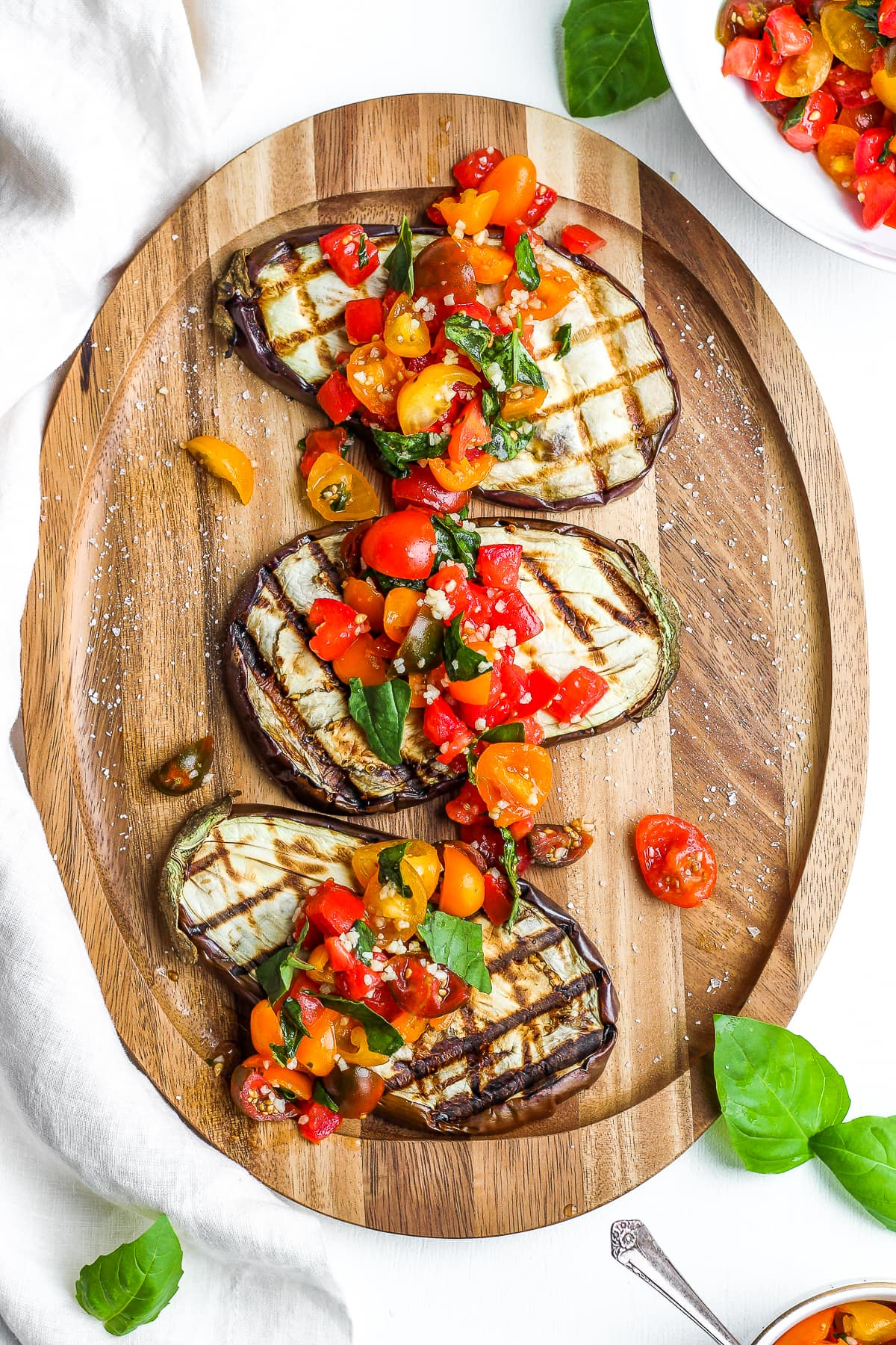 Delicious Grilled Eggplant Bruschetta - a healthy and delicious appetizer or small plate! Perfect for summer! #whole30 #paleo #vegan