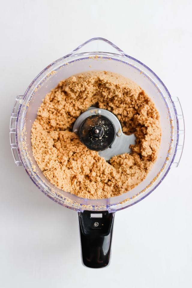 Creamy Roasted Cinnamon Cashew Butter