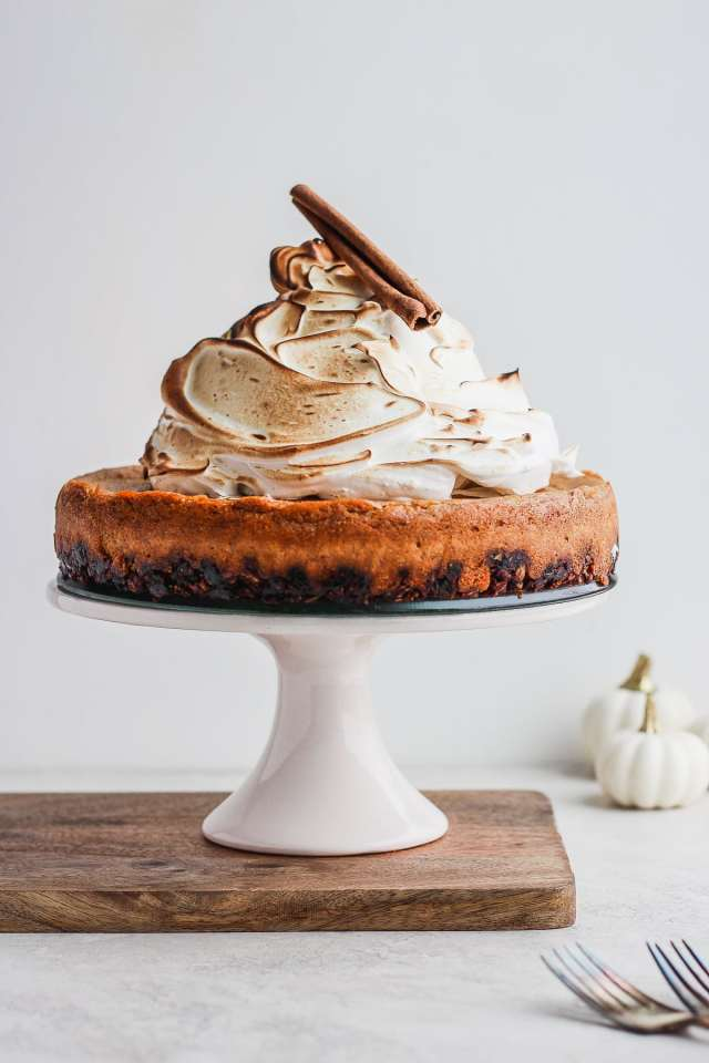 Creamy Vegan Baked Pumpkin Pie Cheesecake