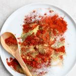 The Best Homemade Dry Rub (Paleo+ Whole30) -perfect for chicken, wings, pork shoulder and ribs!! Clean ingredients and absolutely delicious!