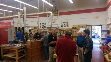 Deneb Puchalski of Lie-Nielsen answering questions on hand planes.