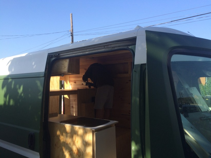viajar en furgo The wood van family