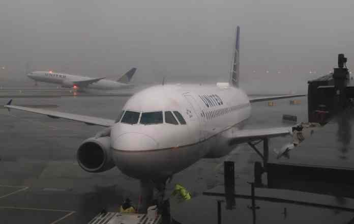 Airlines-Cancel-More-Than-1200-Flights-Due-To-Winter-Storm