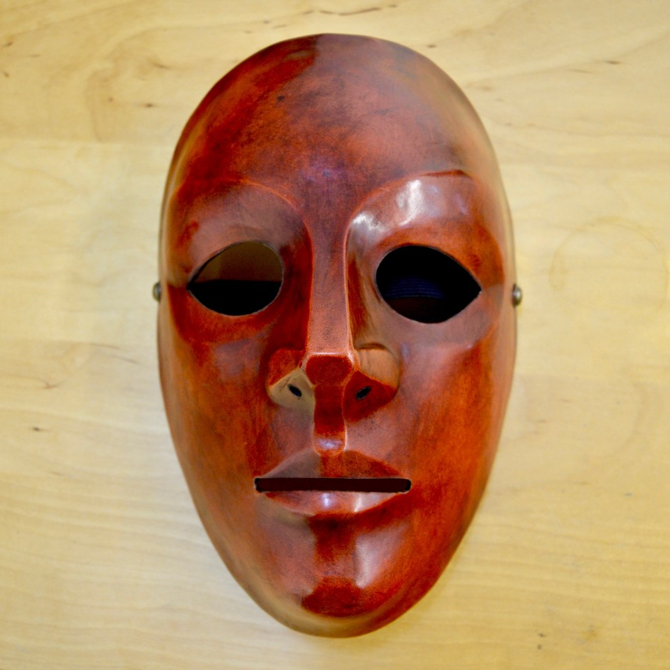 Mask image Russell Dean