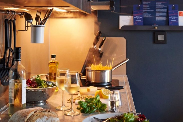 Room_511_kitchen-1_preview-1024x682