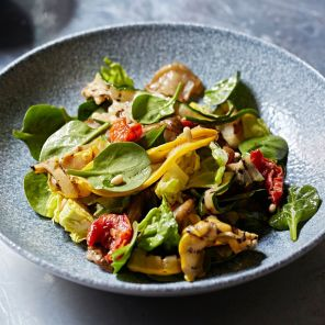 Pomona's - Artichoke, spinach, tomatoes 3, Steven Joyce photo credit_preview