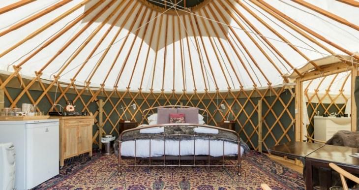 Yurt-Bramble-interior-850x450