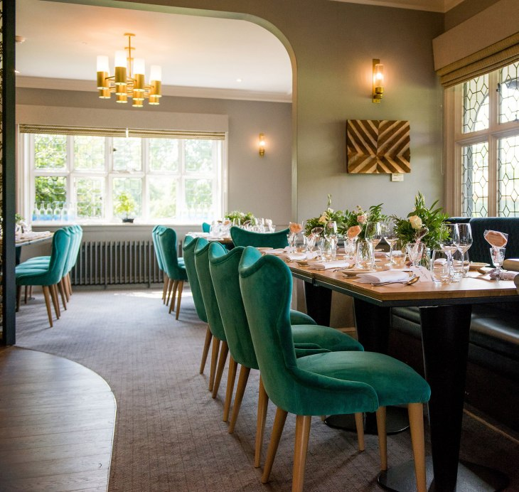 Internal_restaurant_seating
