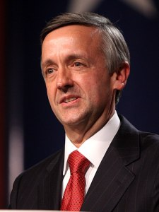 -Robert_Jeffress_(cropped)