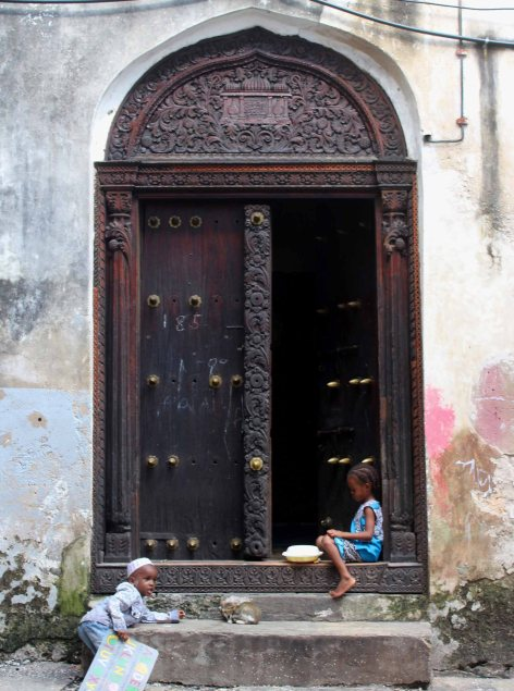 Zanzibar - Stone Town - Indian Door - Kids