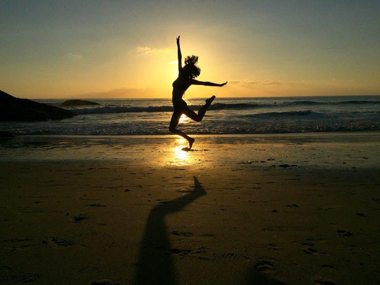 cropped-tora-beach-jump-1.jpg