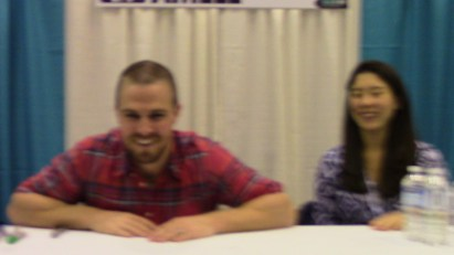 Another blurry shot of Stephen Amell as we approach his table