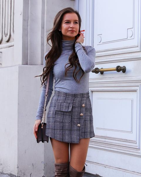Grey tweed skirt with buttons