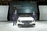 Ola Källenius, Member of the Board of Management, Sales and Marketing Mercedes-Benz Cars, and Jan Madeja, CEO of Mercedes-Benz Russia SAO at the world premiere of the S 65 AMG Coupé at the Moscow International Auto Salon.
