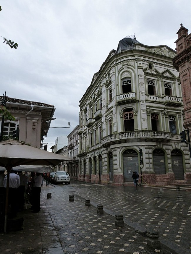 Colonial buildings in Cuenca, Ecuador
