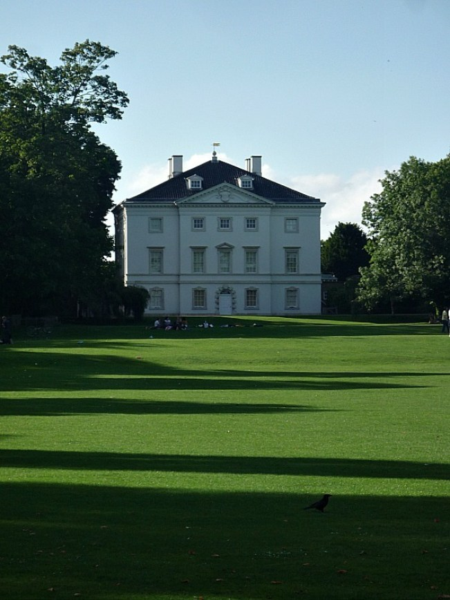 Grand house in Richmond, Greater London