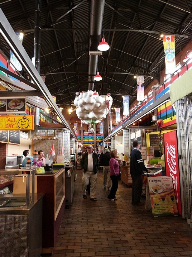 Great food options at ByWard Market, Ottawa during our Canada on a budget adventure