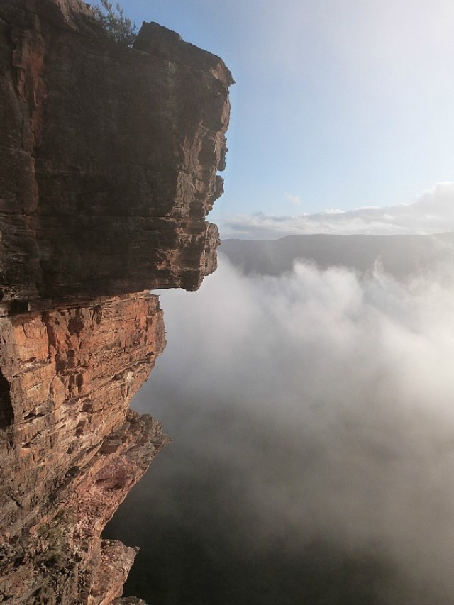 Swirling cloud on the hike down to the Three Sisters in the Blue Mountains of Australia