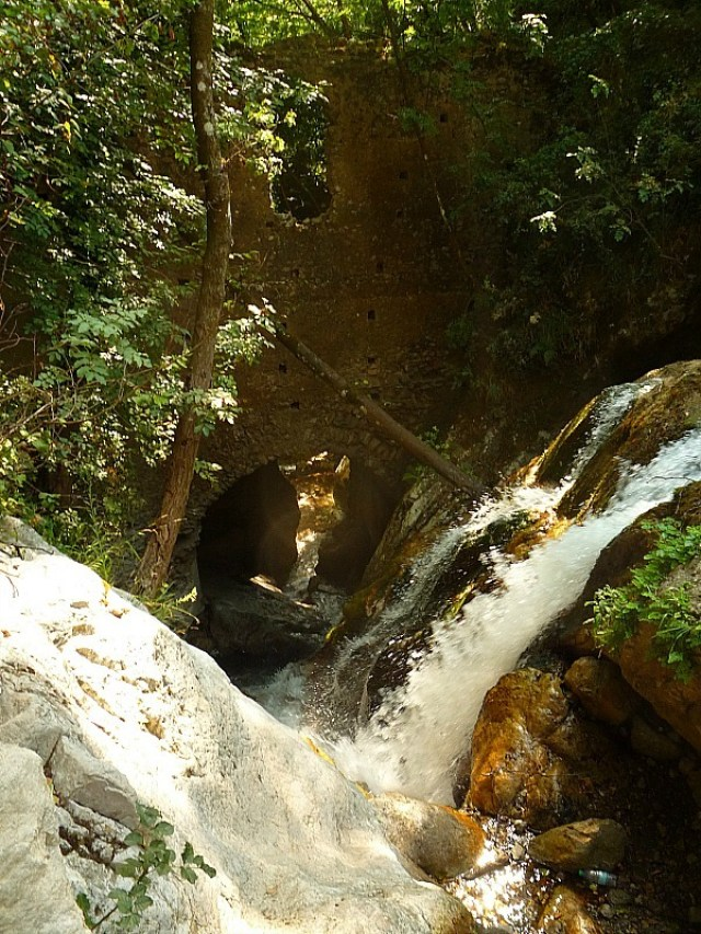 Hiking to old mill ruins on the Amalfi Coast in Italy