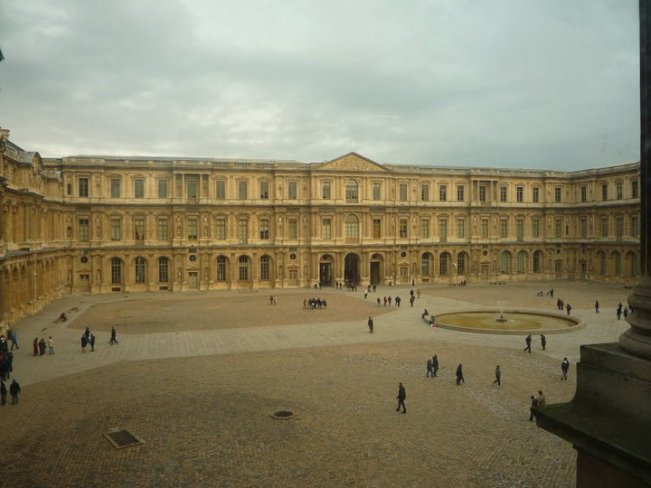 Louvre, Paris - a place that I will definitely return to