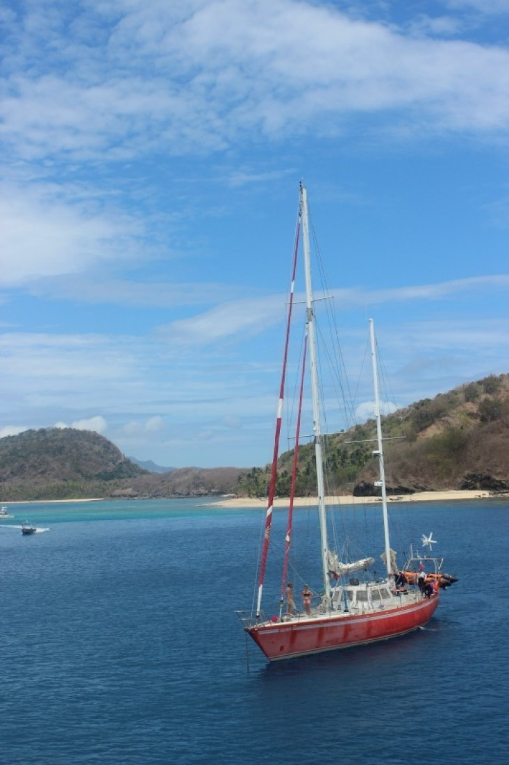 Sailing to the Yasawa Islands of Fiji | The World on my Necklace