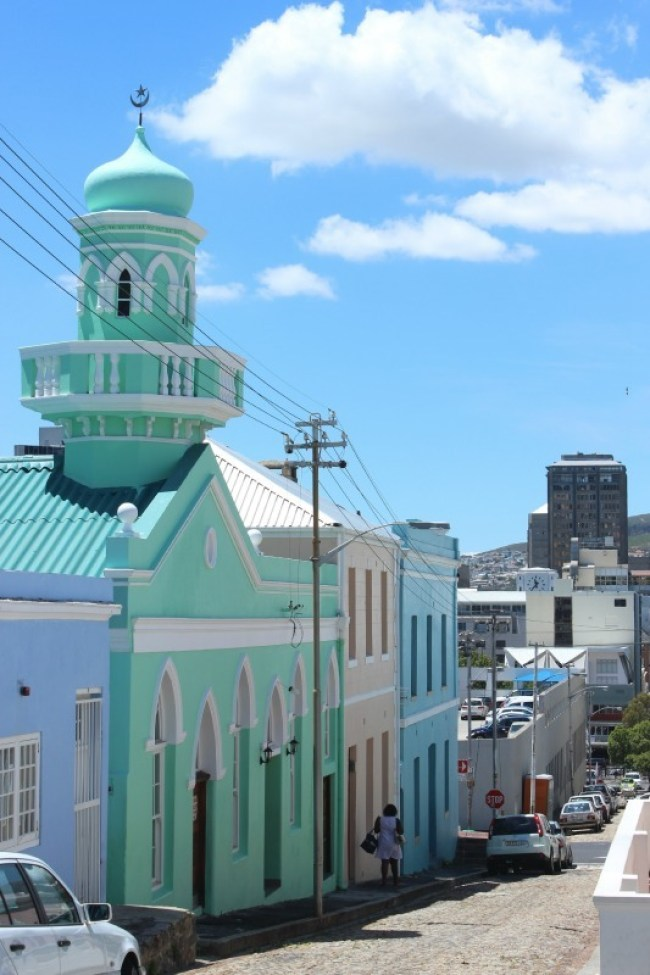 Exploring colourful Bo Kaap in Cape Town - a must visit if you are spending 7 days in Cape Town