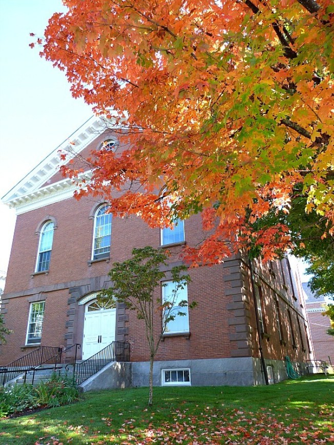Old Town Hall in Concord Massachusetts - Fall colours in Provincetown - one of the best small towns in Massachusetts