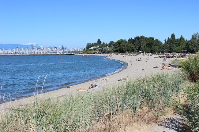 The Best Vancouver Itinerary: 4 Days in Summer. Jericho Beach in Vancouver is the perfect place to spend days of summer in Vancouver