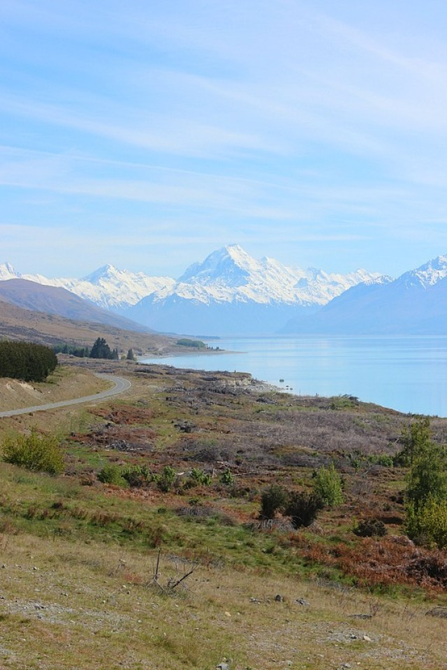 Lake Pukaki on the way to Mount Cook to hike the Hooker Valley Track