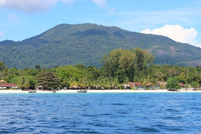 Leaving Koh Lipe on our Koh Lipe Snorkeling trip