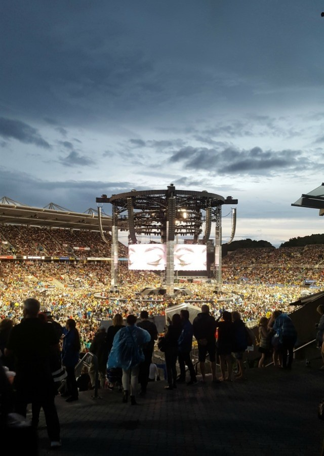Attending the Adele concert in Auckland New Zealand during month twenty two of digital nomad life