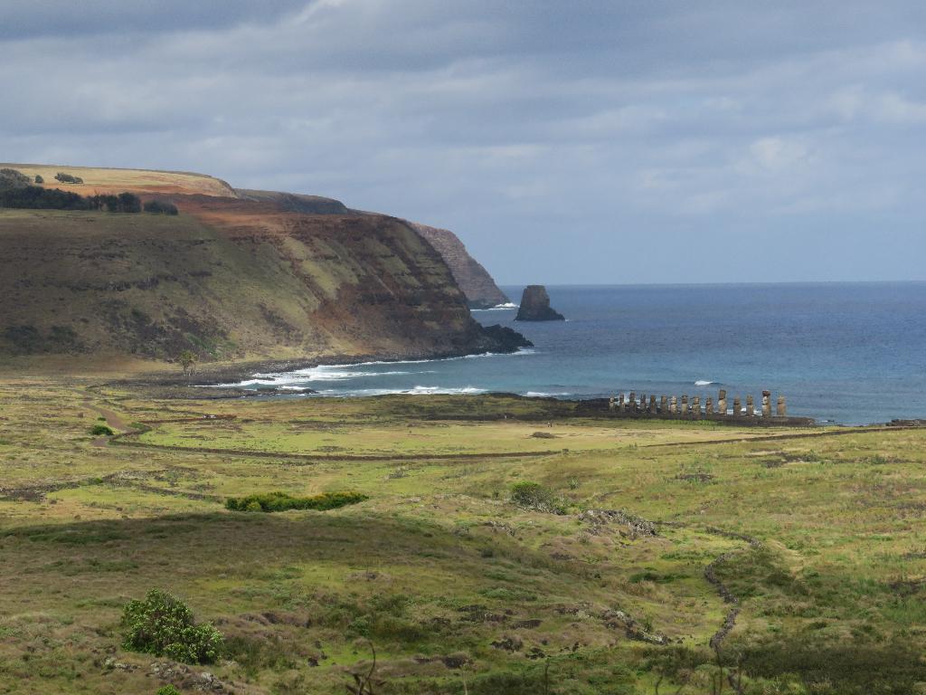 RAno Raraku View Tongariki Easter Island, Rapa Nui, Hanga Roa, Isla de Pascua, Chile, South America