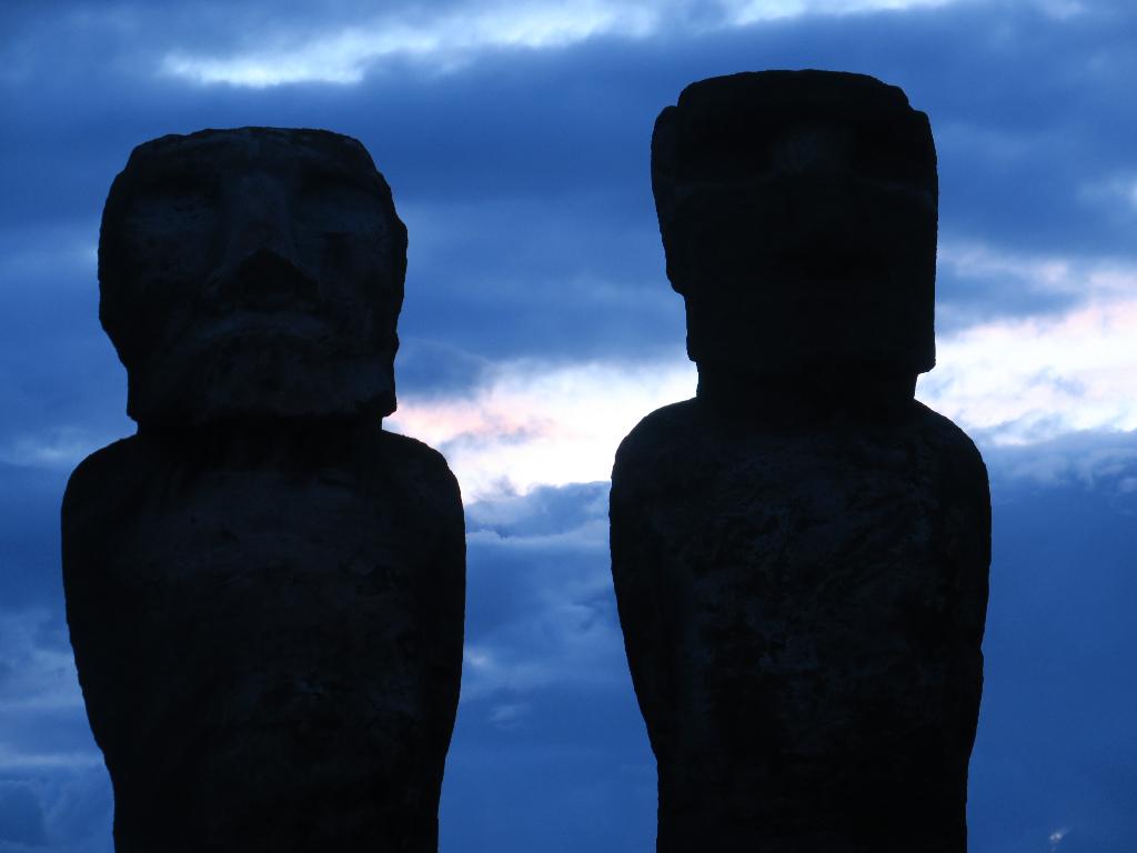 Moai Spiritual Presence Easter Island, Rapa Nui, Hanga Roa, Vanuatu, Isla de Pascua, Chile, South America