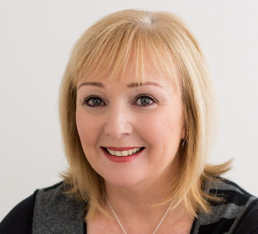 A head shot photo of Anne Beard who trades as The Write Analyst.
