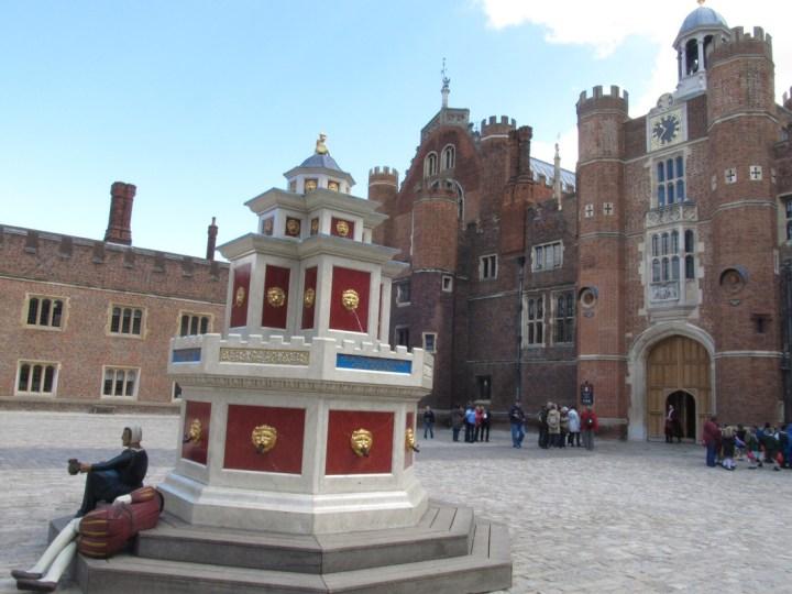london destination hampton court