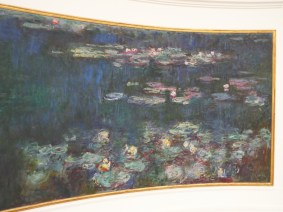 Water lily room at Musee de l'Orangerie