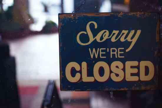 art business closed logo