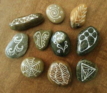 Zentangled rocks © Lori Byerly
