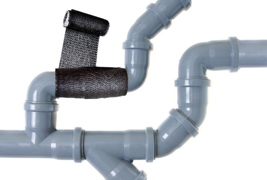 Fixing a pipe with tape © amazon.com | stock.adobe.com