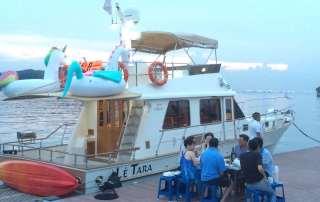 Le Tara Fantasy Floats