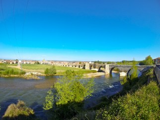 If my memory serves me correctly, this was the longest bridge along the Camino. Pretty cool!