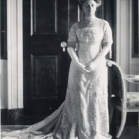 First Ladies of Fashion: A Pictorial History of Inaugural Gowns