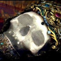 Precious Bones: The Jeweled Martyrs of Ancient Rome