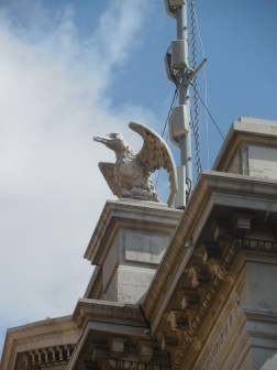 An albatross on top of the museum ...