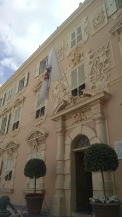 Fancy building near the Palais.