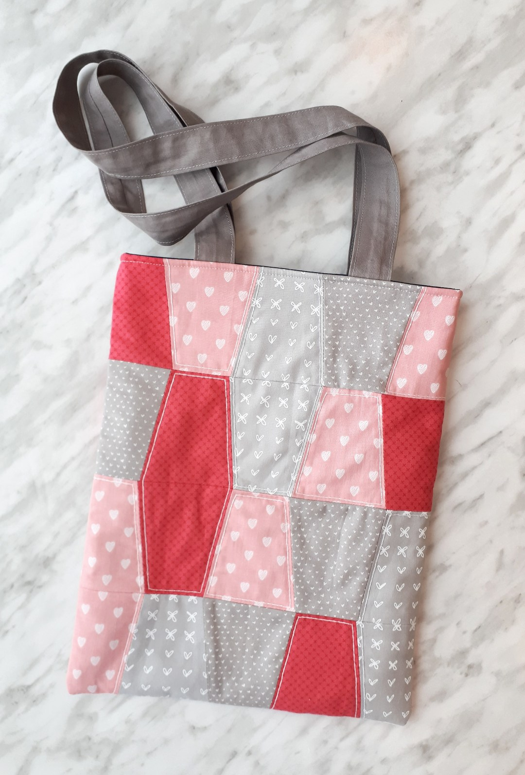 A sweet quilted laptop bag with free DIY instructions.